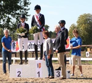Stadtmeisterin in der Dressur Klasse A ist Birte Bexten! Der zweite Platz ging an Jana Laukemper und der dritte Platz ging an Iris Langner.